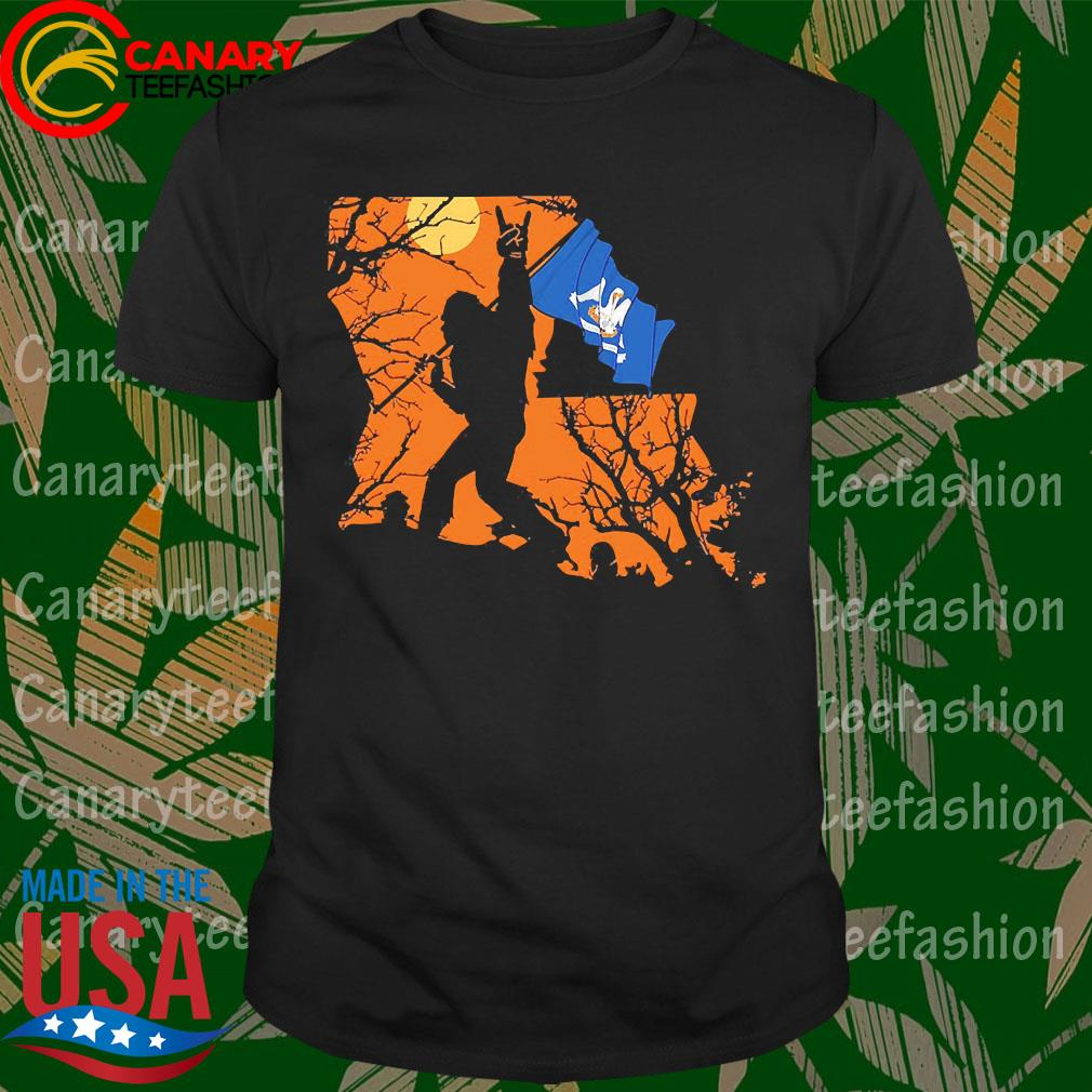 Bigfoot flag Louisiana Halloween shirt